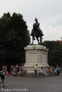 06. Statue of Victor Emmanuel II (La statua di Vittorio Emanuele II)