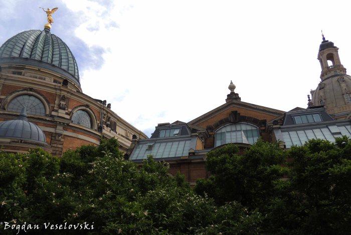 09. Academy of Fine Arts (Hochschule für Bildende Künste)