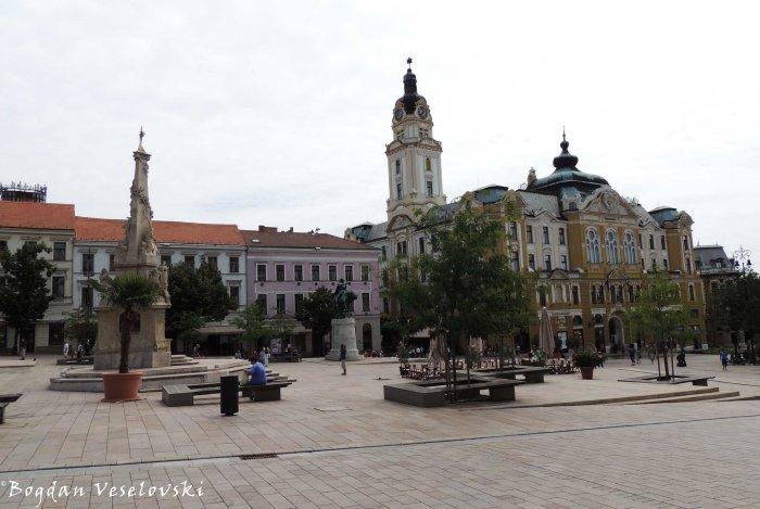 11. Széchenyi Square - The Statue of the Holy Trinity & the City Hall (Széchenyi tér - Szentháromság-szobor & Városháza)