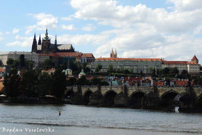 11. Vltava & Charles Bridge & Prague Castle