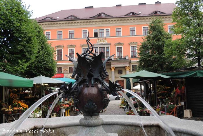 13. Fountain from the Salt Market Square (Plac Solny)