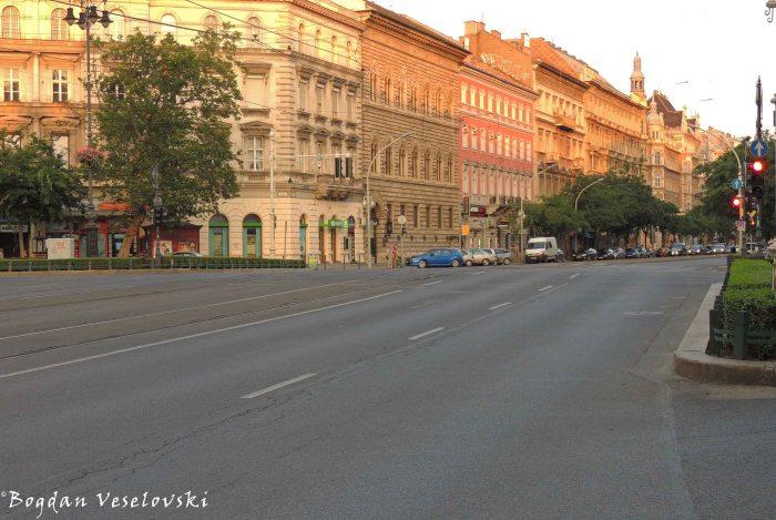 13. Oktogon & Andrássy Avenue (Andrássy út)
