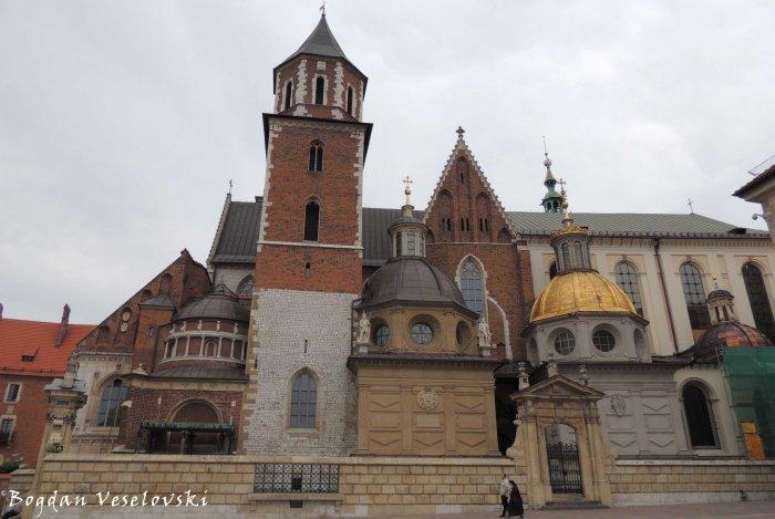 13. Wawel Cathedral - Royal Archcathedral Basilica of Saints Stanislaus and Wenceslaus (Królewska bazylika archikatedralna śś. Stanisława i Wacława)