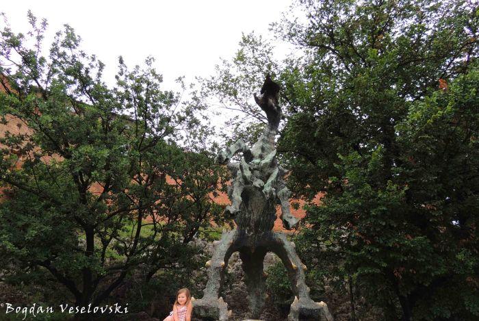16. Wawel Dragon Statue (Pomnik Smoka Wawelskiego)