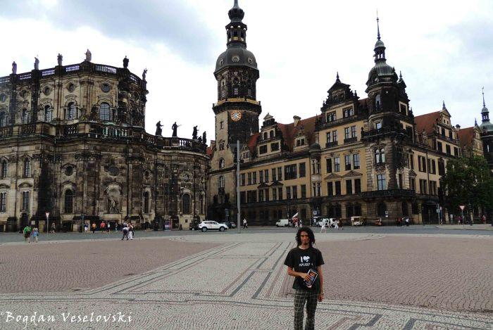 19. Dresden Cathedral & Dresden Castle (Katholische Hofkirche & Dresdner Residenzschloss)