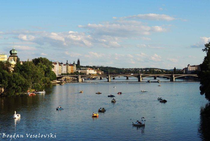 44. Vltava & Jiráskův most
