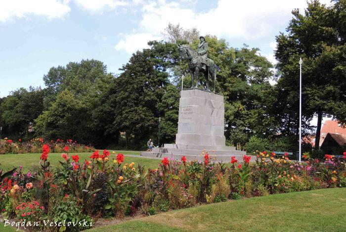 02. Statue of king Albert I