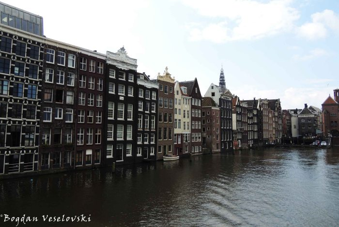 03. The Dancing Houses of Damrak