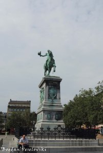 05. Place Guillaume II - Equestrian statue of of Grand Duke William II