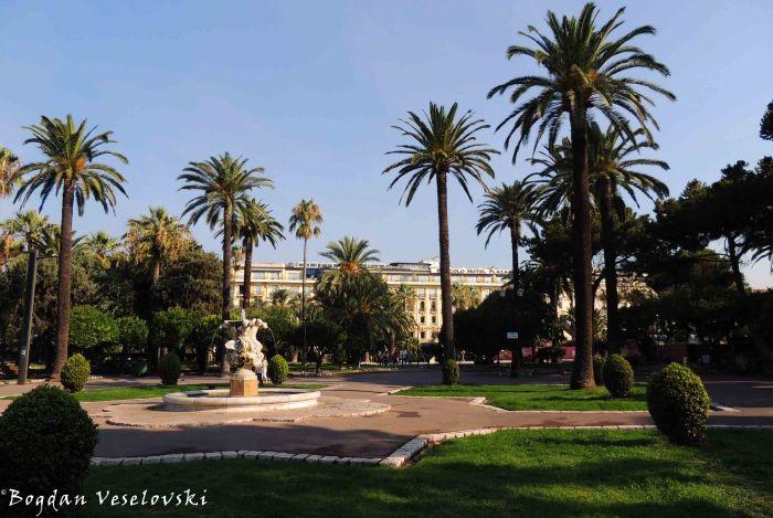 06. B4 Nice Plaza Hotel seen from Jardin Albert I