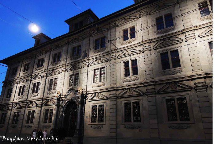 06. Town Hall (Rathaus)