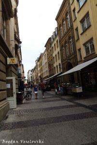 07. Rue du Curé