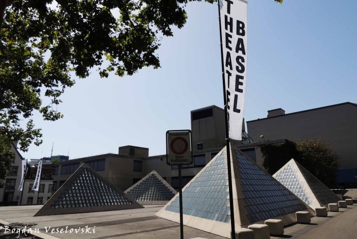 08. Theater Basel