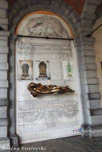 10. 't Serclaes monument
