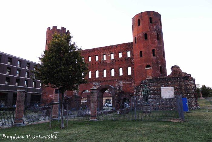 14. Palatine Gate (Porta Palatina)