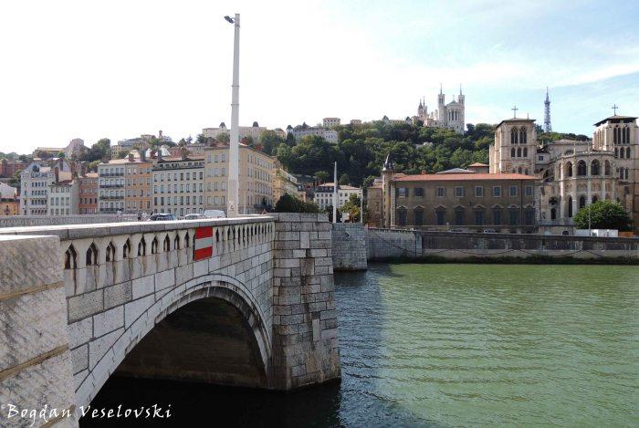 14. Pont Bonaparte over Saône