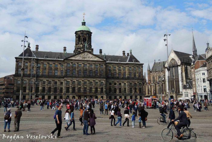 14. Royal Palace & The New Church (Koninklijk Paleis & Nieuwe Kerk)