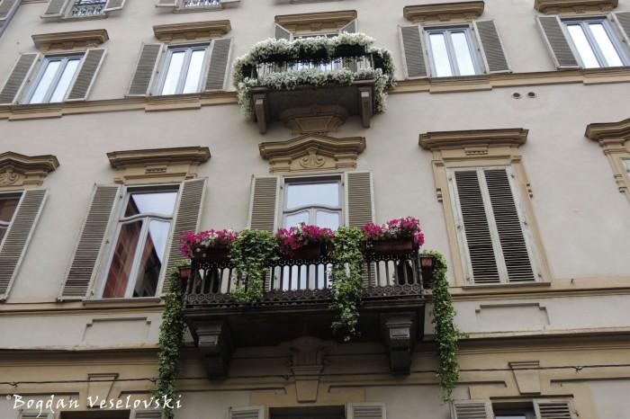 Flourished balcony