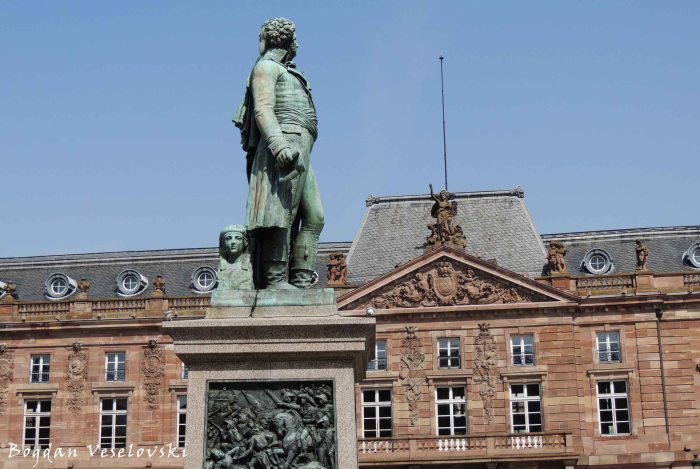 16. Statue of Kléber