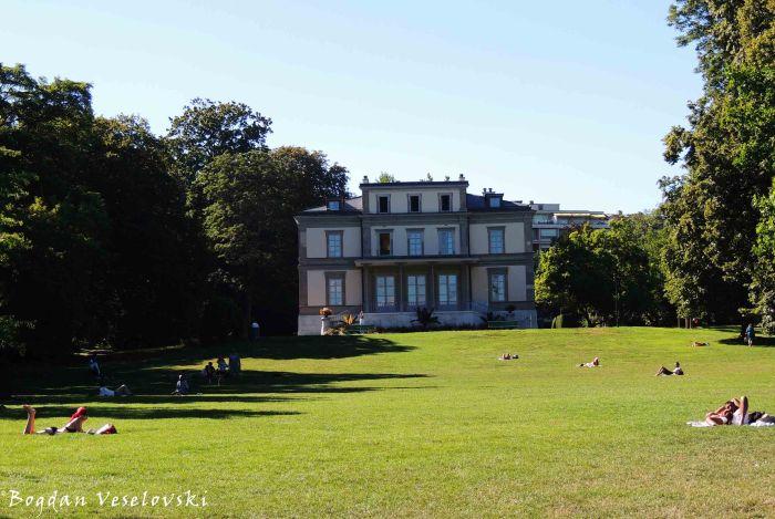18. Mon Repos Park