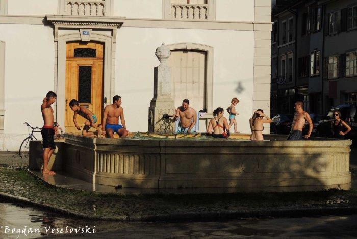 19. Public fountain bath