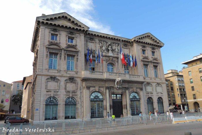 28. Hôtel de Ville