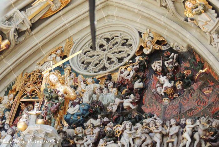 29. Details of the Last Judgement over the main portal - Bern Minster (Berner Münster)