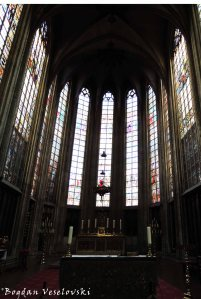 38. Stained glass - Our Blessed Lady of the Sablon Church (Église Notre-Dame du Sablon)