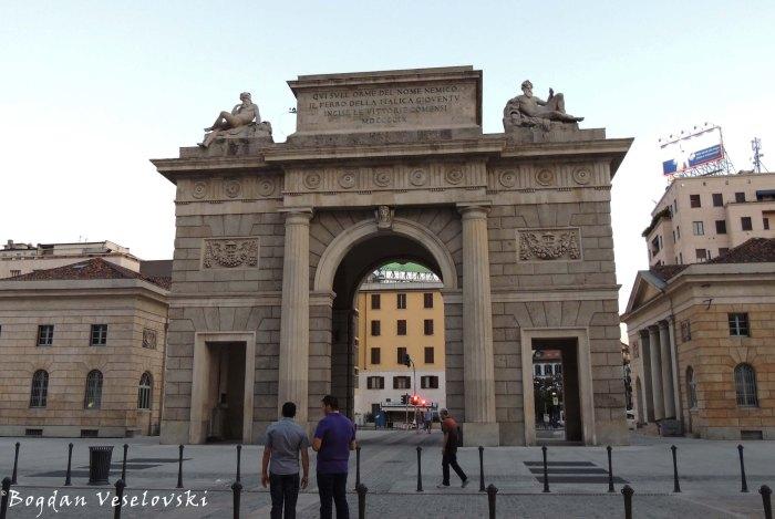 39. Porta Garibaldi