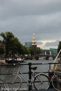 40. Montelbaanstoren & Oudeschans canal