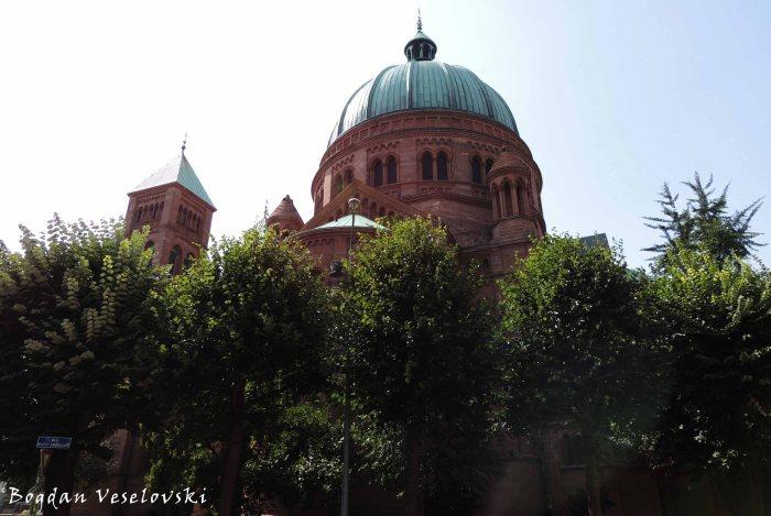 41. Saint-Pierre-le-Jeune Catholic Church (Église Saint-Pierre-le-Jeune catholique)