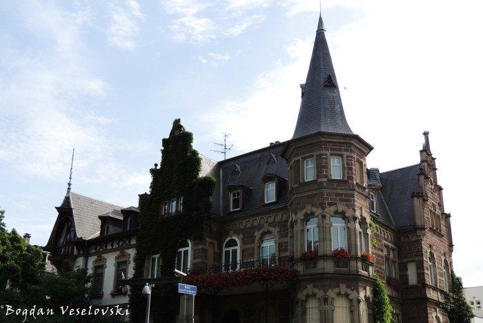 54. Néo-Renaissance Villa on 16, Boulevard de l'Orangerie