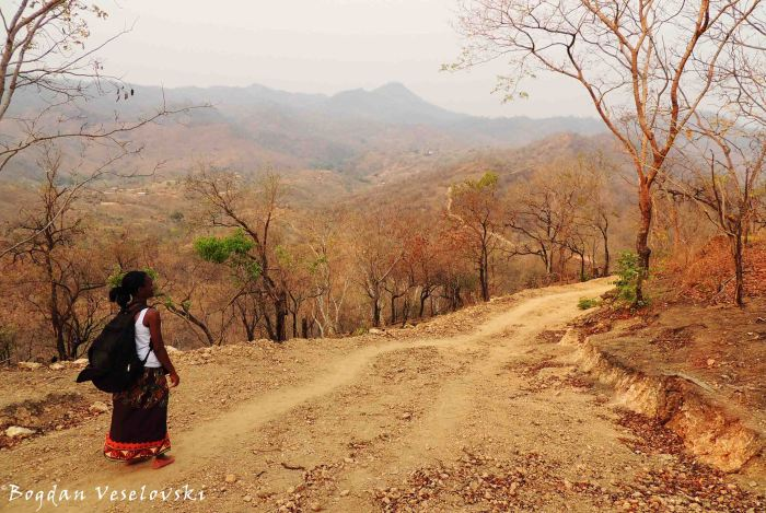 Chididi-Nsanje trekking road (through Mpangira)