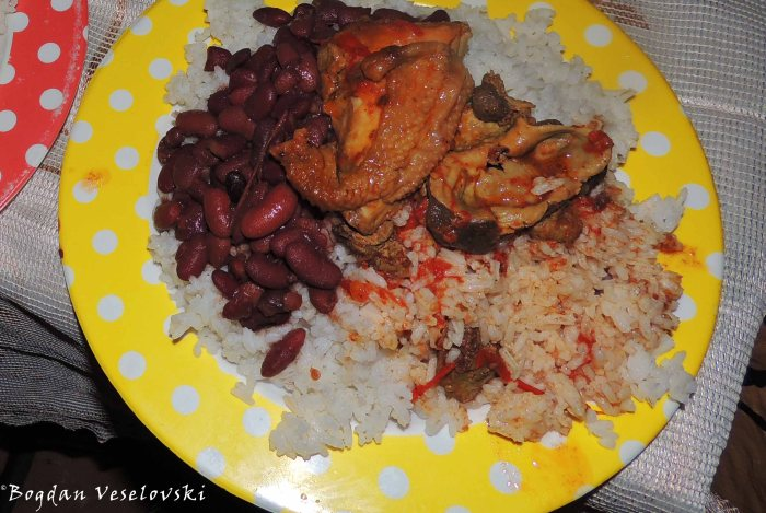Chicken with rise & beans