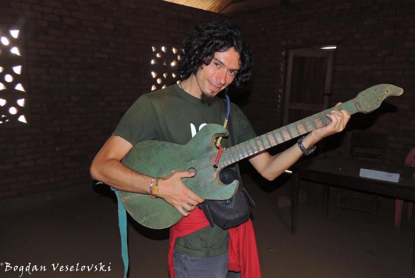 Gitala (local guitar)