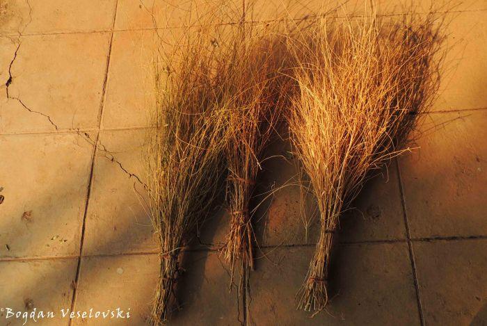 Masache (brooms)