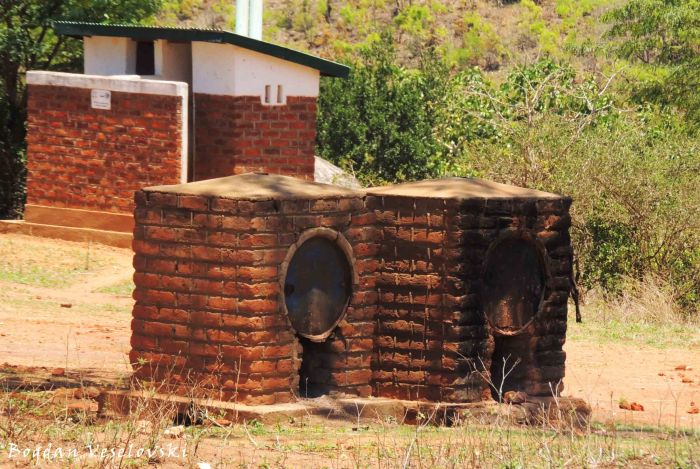 Mauvuni (cooking ovens)