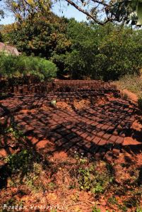 Njerwa (bricks)