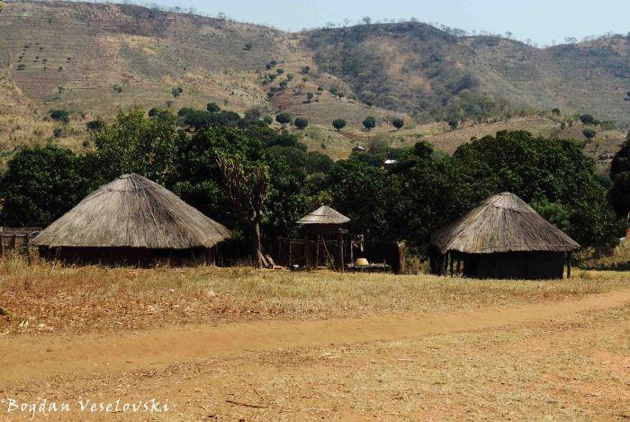 Pheledzenge Village