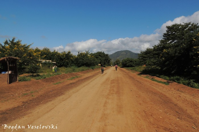 Road in Mbangu