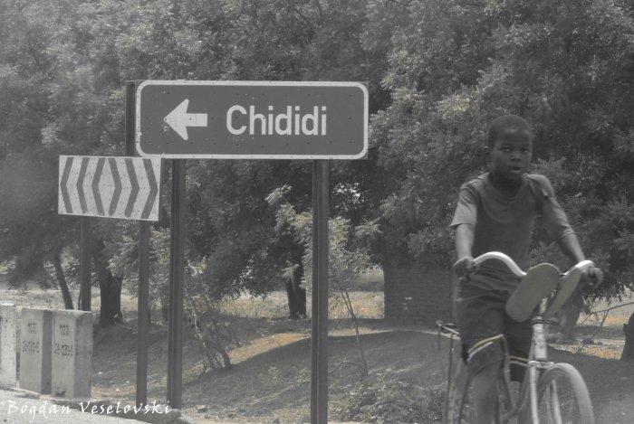 Chididi ... left