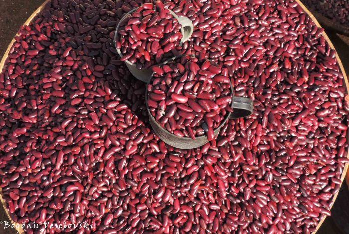 Nyemba za mbwanda (common beans)