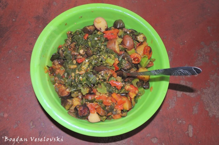 Vegetable mix (potatoes, eggplants, mustard leaves, peppers, okra, carrots, tomatoes, onion, chilli, garlic)