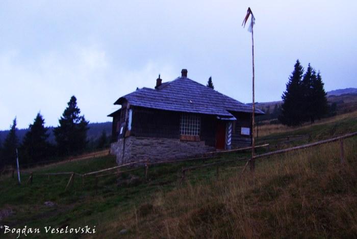Cîinaia shelter (1775 m)