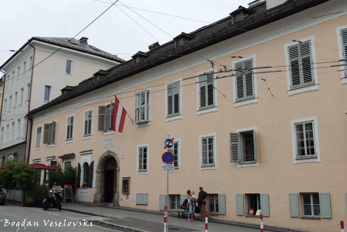 Mozart's residence (Mozart wohnhaus)