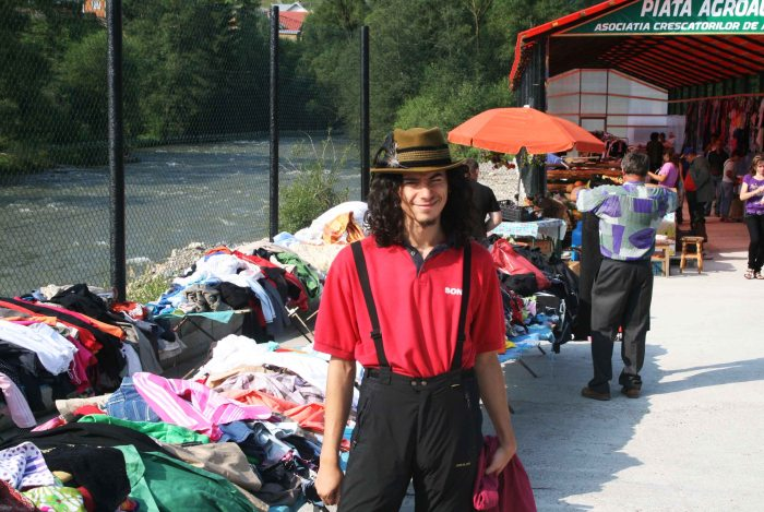 Second-hand clothing market