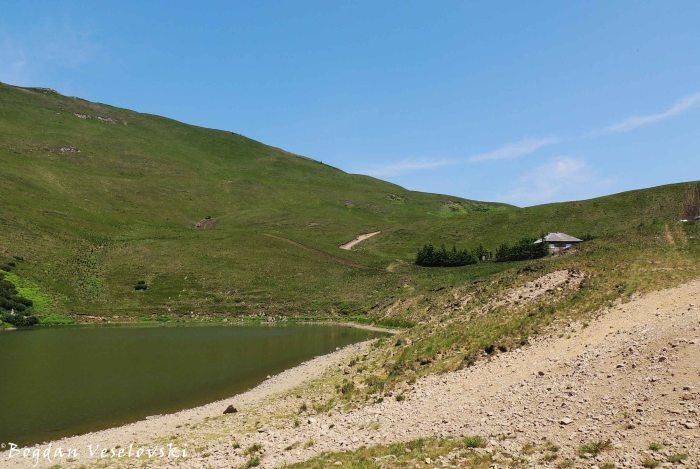 Lake & hut