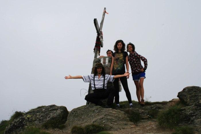 Ineu Peak (2279 m)