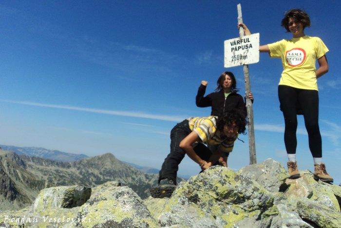 Păpușa Peak (2508 m)