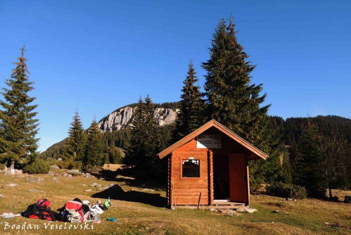 Mountain shelter from Poiana Albă